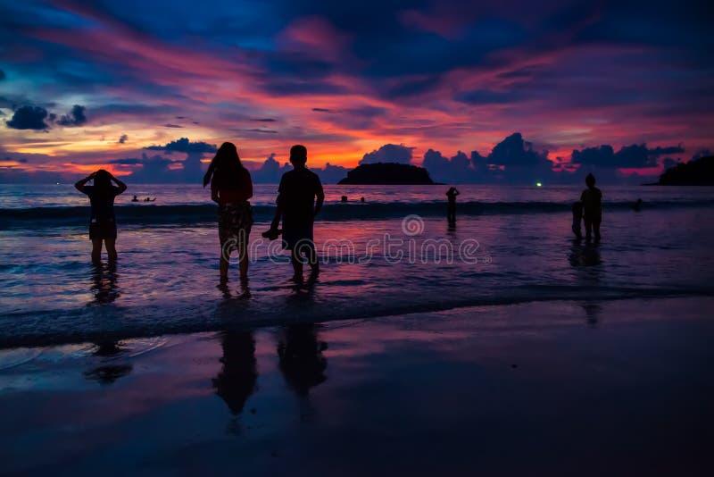 Tramonto a phuket fotografia stock libera da diritti