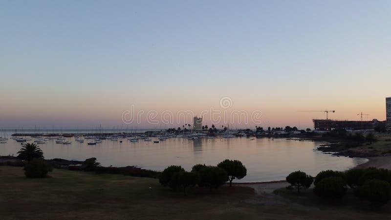 Tramonto a porto di Buceo, Uruguay immagini stock