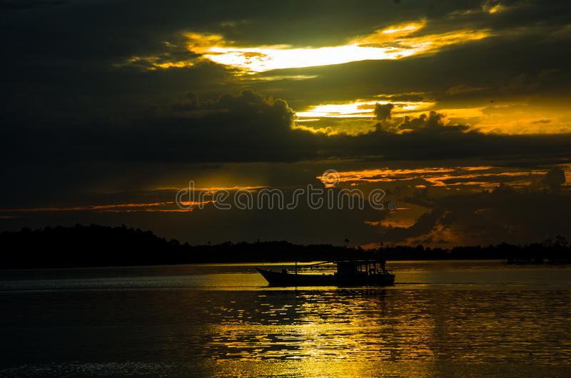 Tramonto, provincia ad ovest delle isole di Mentawai, Sumatra, Indonesia fotografia stock