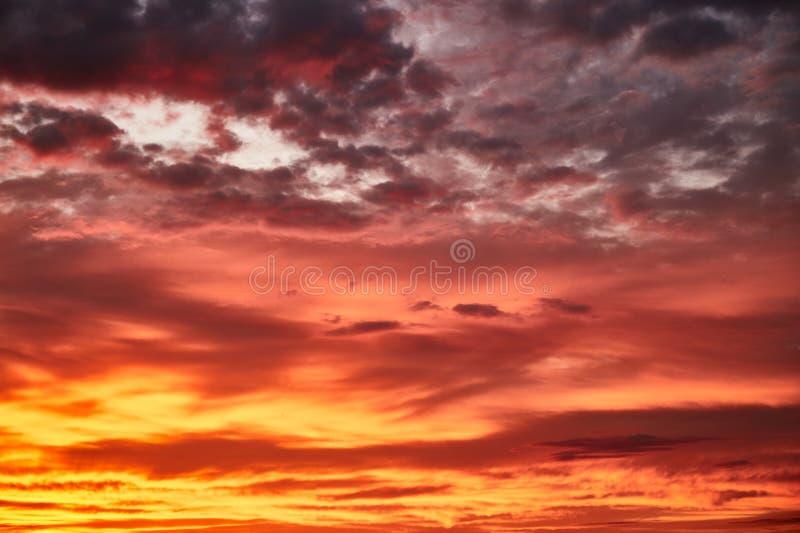 Tramonto rosso Cielo di tramonto Rosso fotografia stock libera da diritti