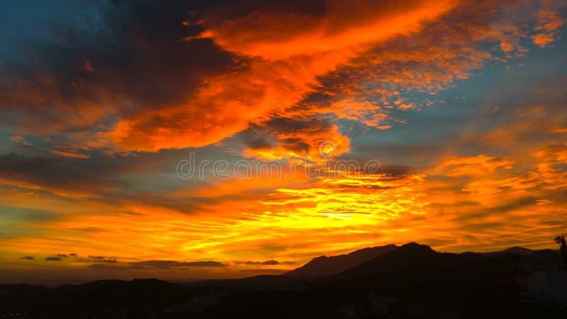 Tramonto sbalorditivo sopra l'Andalusia, Spagna del sud immagine stock libera da diritti