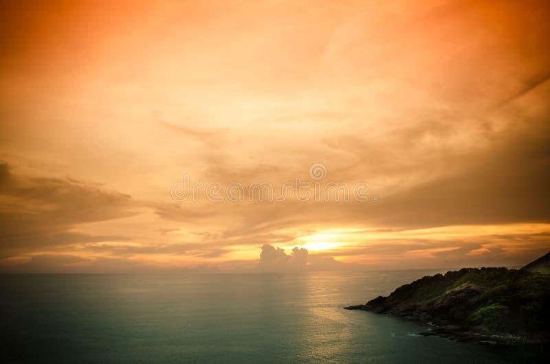 Tramonto scenico sopra il mare immagini stock libere da diritti