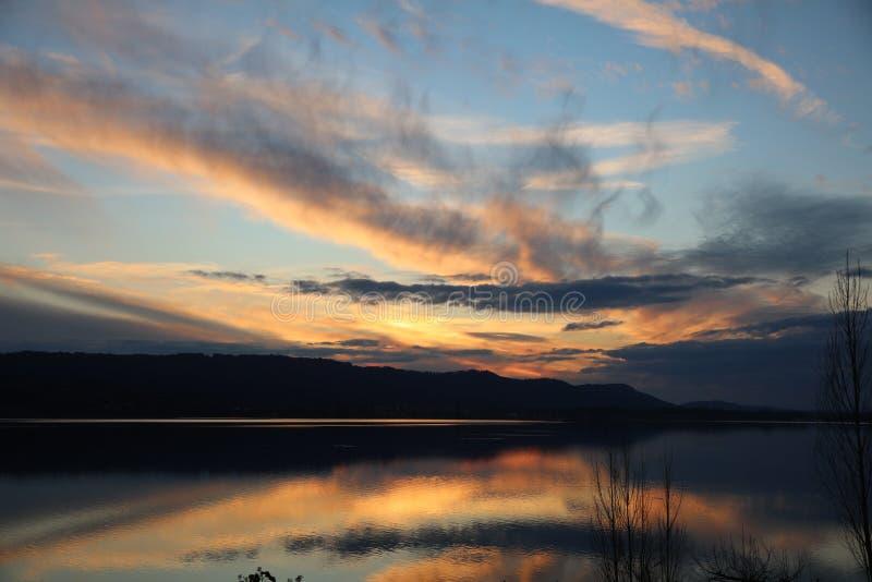 Tramonto sopra il lago di Costanza a Radolfzell fotografie stock