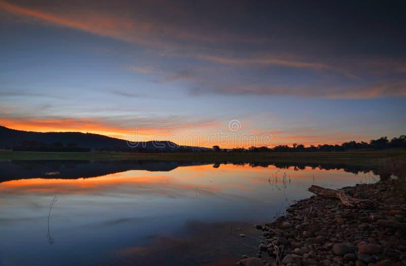 Tramonto sopra il lago Penrith Boorooberongal fotografie stock libere da diritti