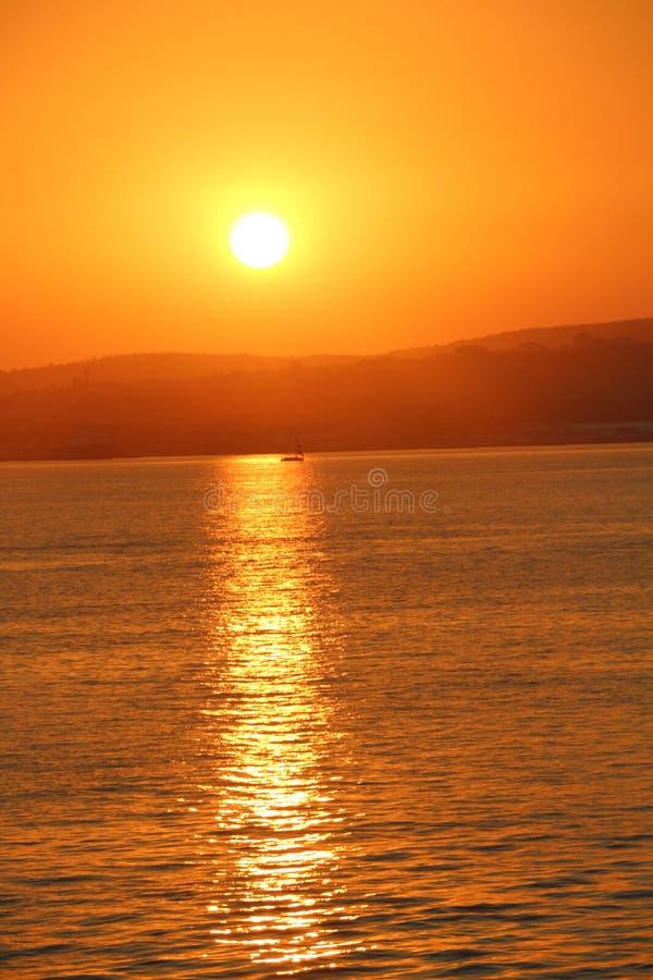 Tramonto sopra il Mar Nero fotografie stock libere da diritti