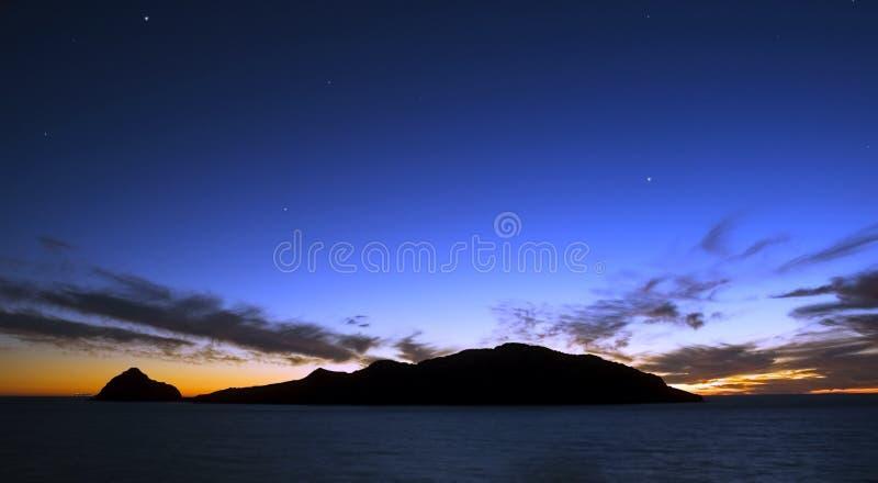 Tramonto sopra l'isola Mazatlan Messico dei cervi immagini stock libere da diritti
