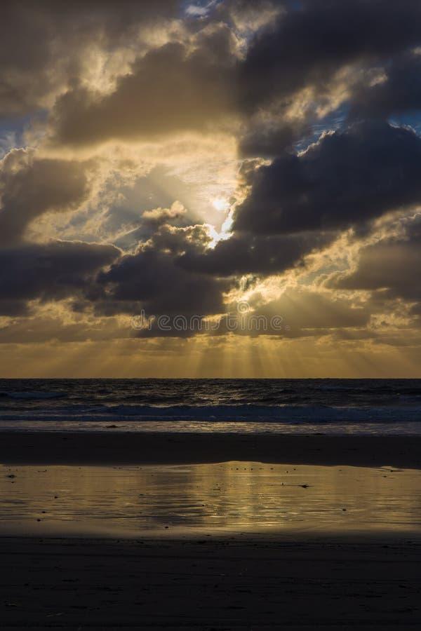 Tramonto sopra l'oceano Pacifico a San Diego immagine stock libera da diritti