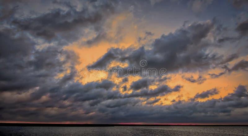 Tramonto sopra la baia di Chesapeake fotografie stock