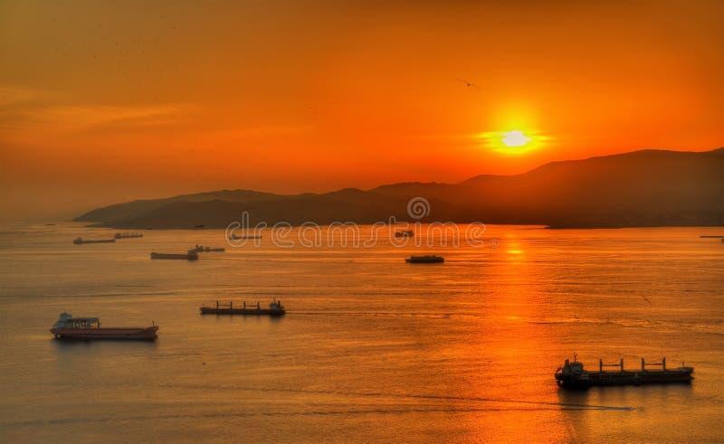 Tramonto sopra la baia di Gibilterra fotografia stock