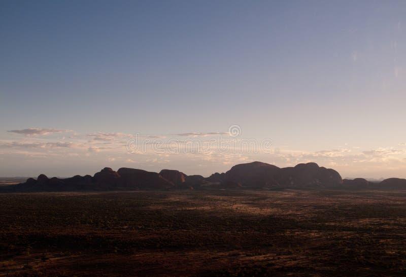 Tramonto sopra la roccia di Ayers immagine stock