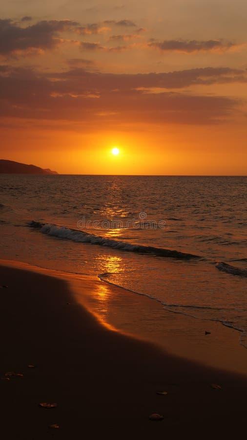 Tramonto sopra la spiaggia, San Luis di Playa, Venezuela fotografie stock