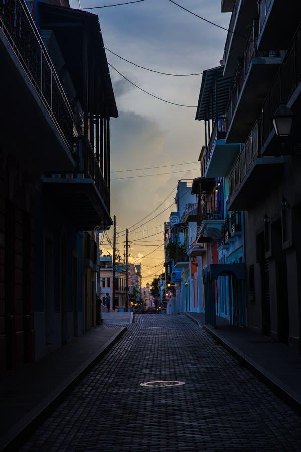 Tramonto sopra la vecchia città San Juan Porto Rico fotografia stock libera da diritti