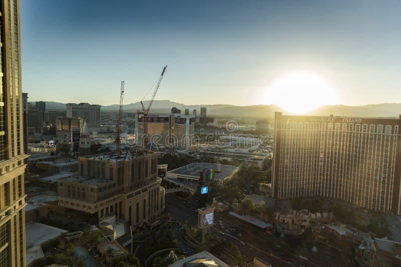 Tramonto sopra Las Vegas dal 29° piano del Palazzo fotografia stock libera da diritti
