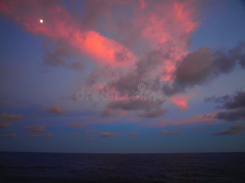 Tramonto sopra Pacifico immagini stock