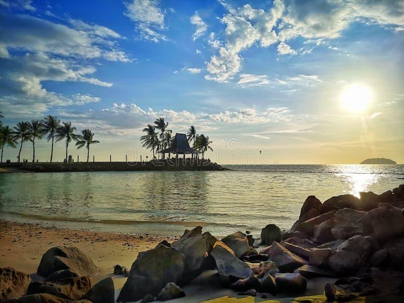 Tramonto in spiaggia immagini stock libere da diritti