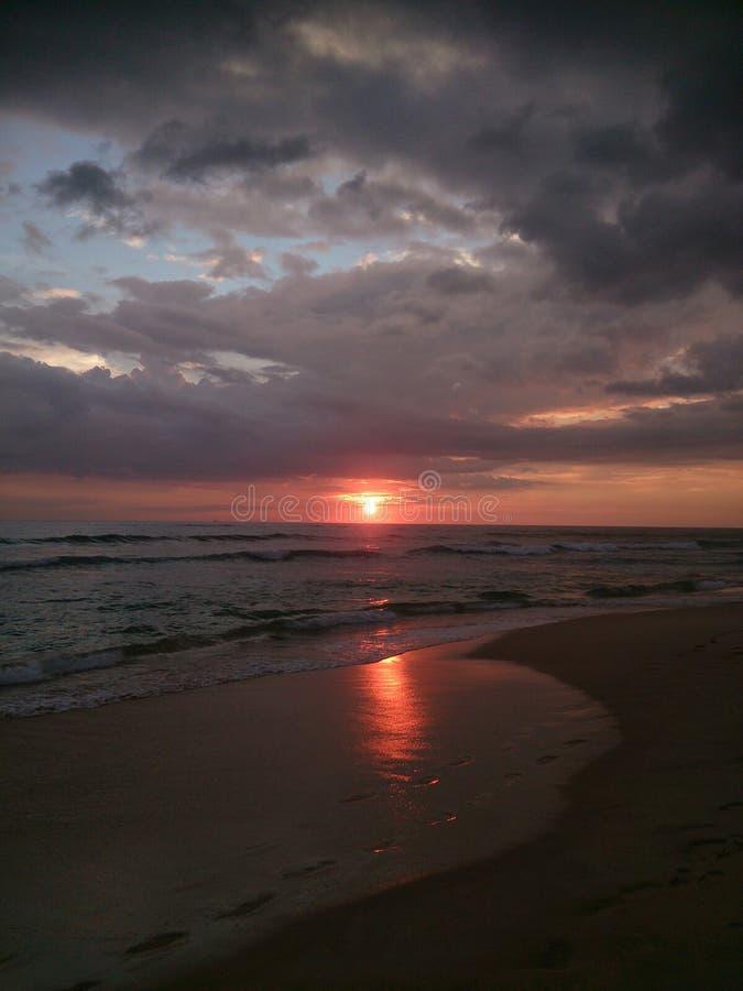 Download Tramonto in Sri Lanka immagine stock. Immagine di paesaggio - 117981809