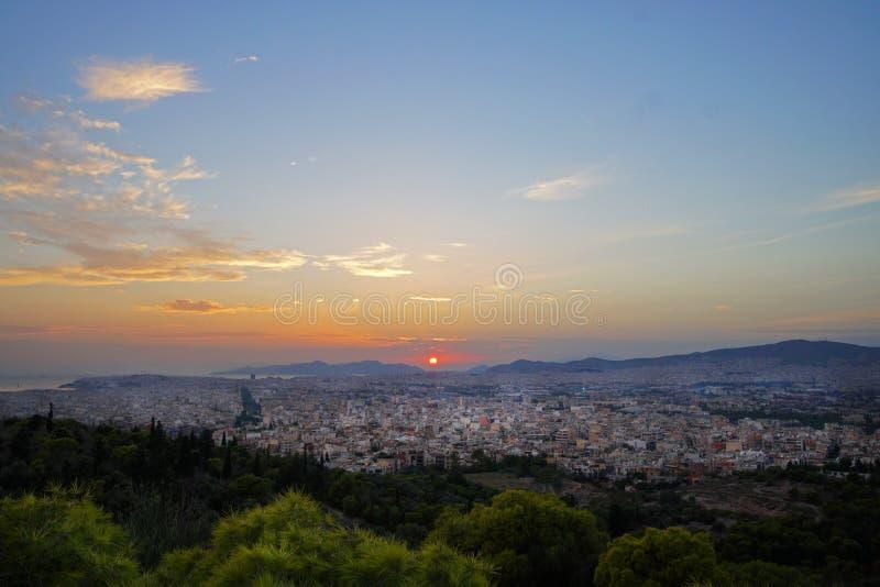 Tramonto su Atene dalla COLLINA di FILOPAPPOU fotografie stock