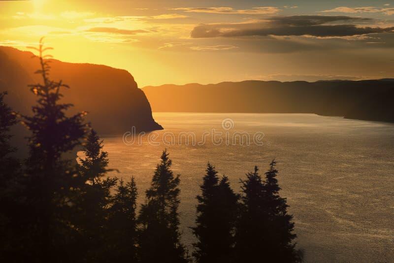 Tramonto sul fiordo fotografie stock