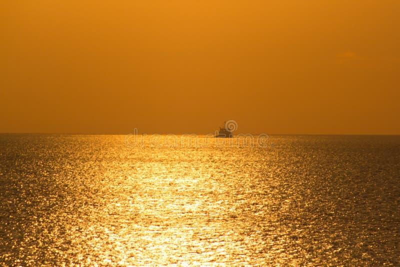 Tramonto sul golfo della Finlandia fotografia stock