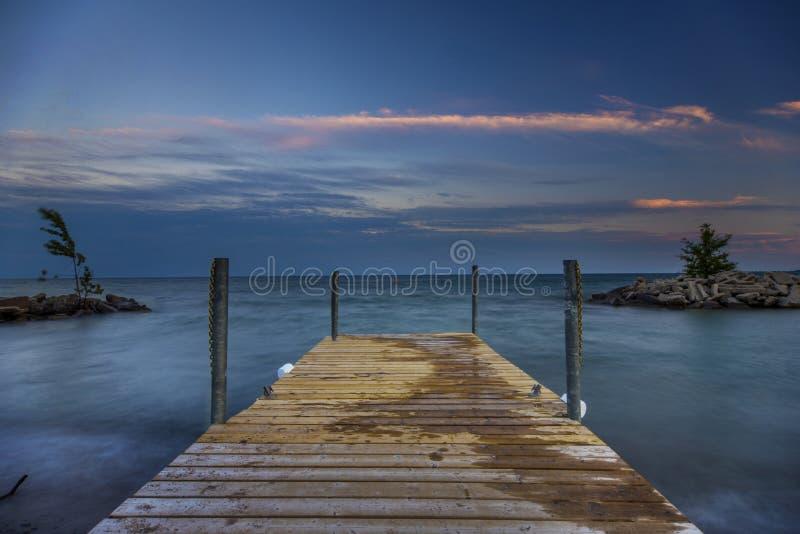Tramonto sul lago Ontario fotografia stock libera da diritti