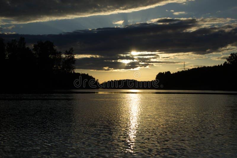 Tramonto sul lago Vuoksa immagine stock libera da diritti