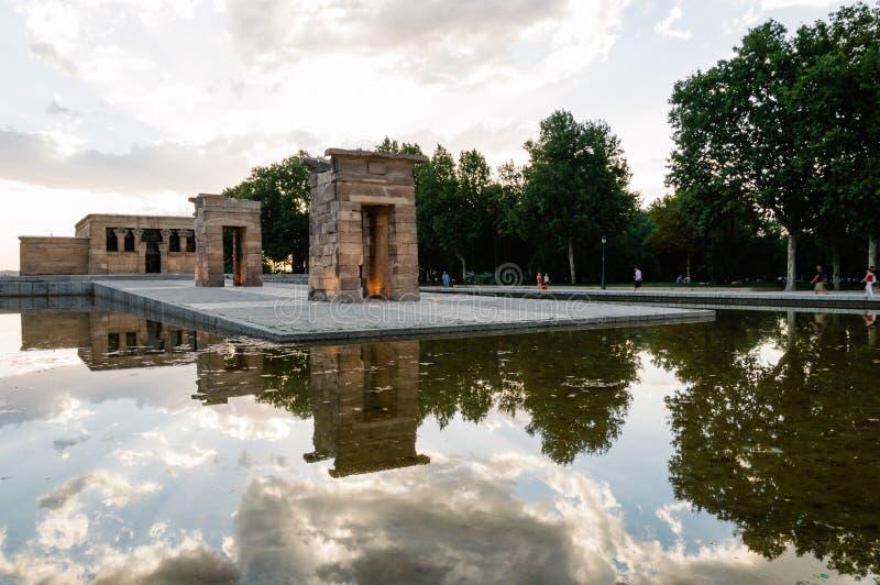 Tramonto sul tempio di Debod a Madrid fotografia stock