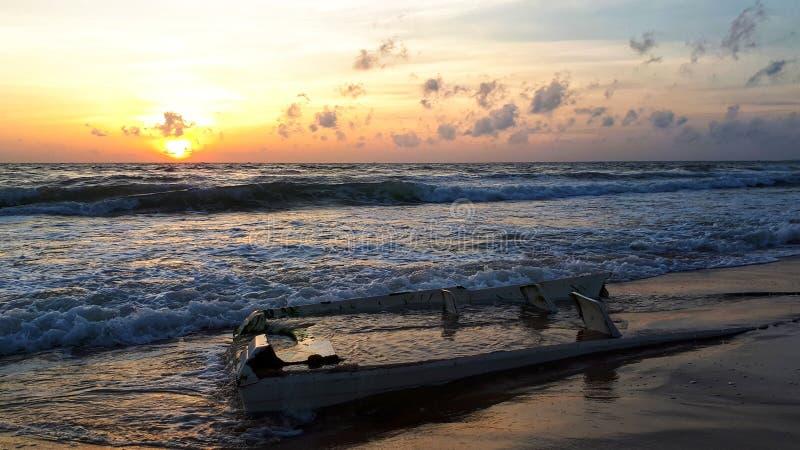 Tramonto sull'oceano, ambiti di provenienza ambientali astratti immagine stock libera da diritti