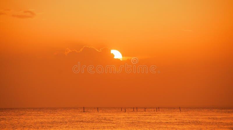 Tramonto sulla costa del mar dei Caraibi Tramonto domenicano fotografie stock libere da diritti