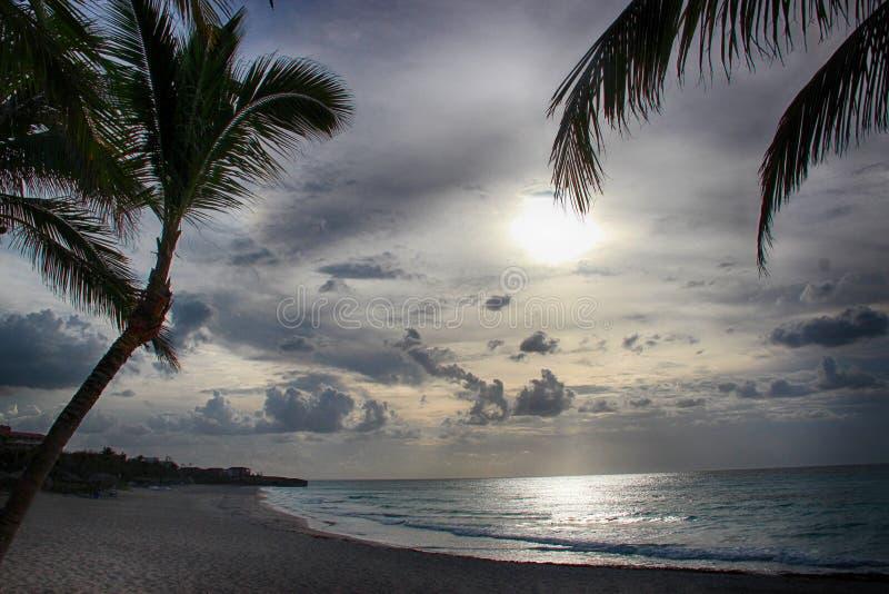Tramonto sulla spiaggia Varadero in Cuba immagine stock libera da diritti