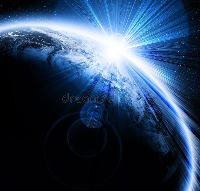 Tramonto sulla terra del pianeta royalty illustrazione gratis