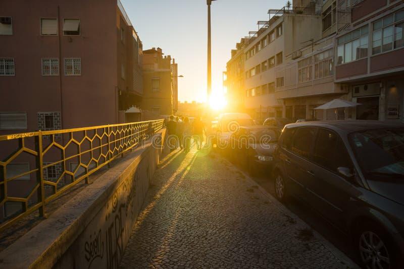 Tramonto in via di Lisbona fotografia stock libera da diritti