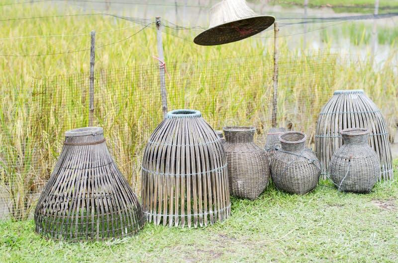 Trampa de bambú para los pescados imagenes de archivo