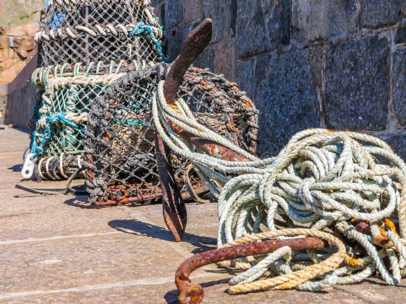 Trampas del cangrejo en el puerto de la isla de Sark foto de archivo libre de regalías