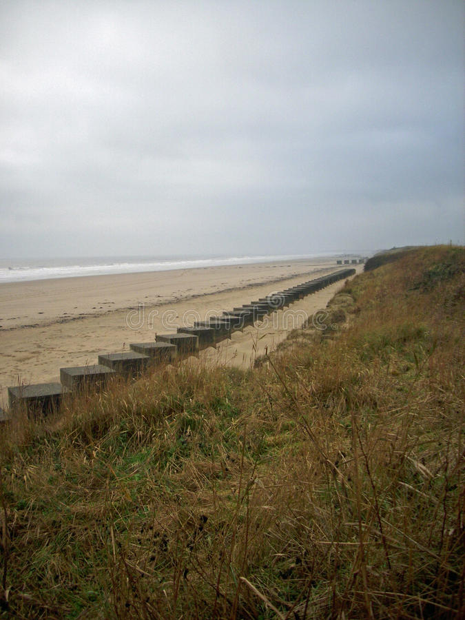 Trampas del tanque de la playa de la Segunda Guerra Mundial imagen de archivo