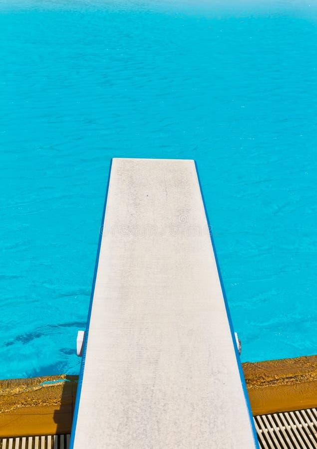 Trampolín en piscina fotos de archivo libres de regalías