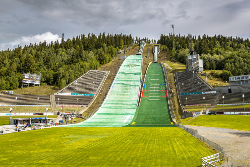 Trampolim do salto de esqui de Lysgardsbakken imagem de stock