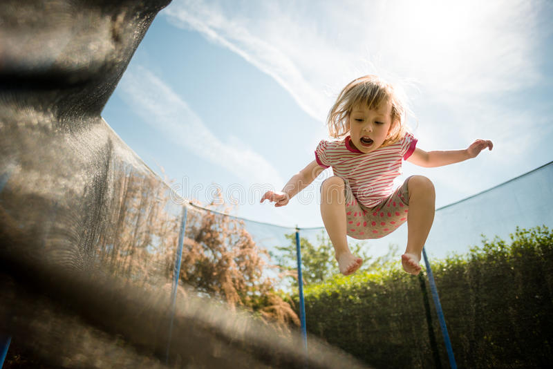 Trampolino di salto fotografie stock libere da diritti