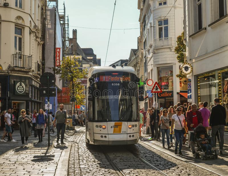 Tramwaj na ulicach Ghent, Belgia fotografia royalty free