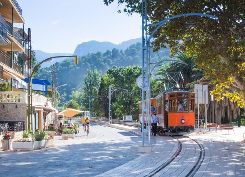 Tramwaj w Portowym De Soller Mallorca zdjęcie stock