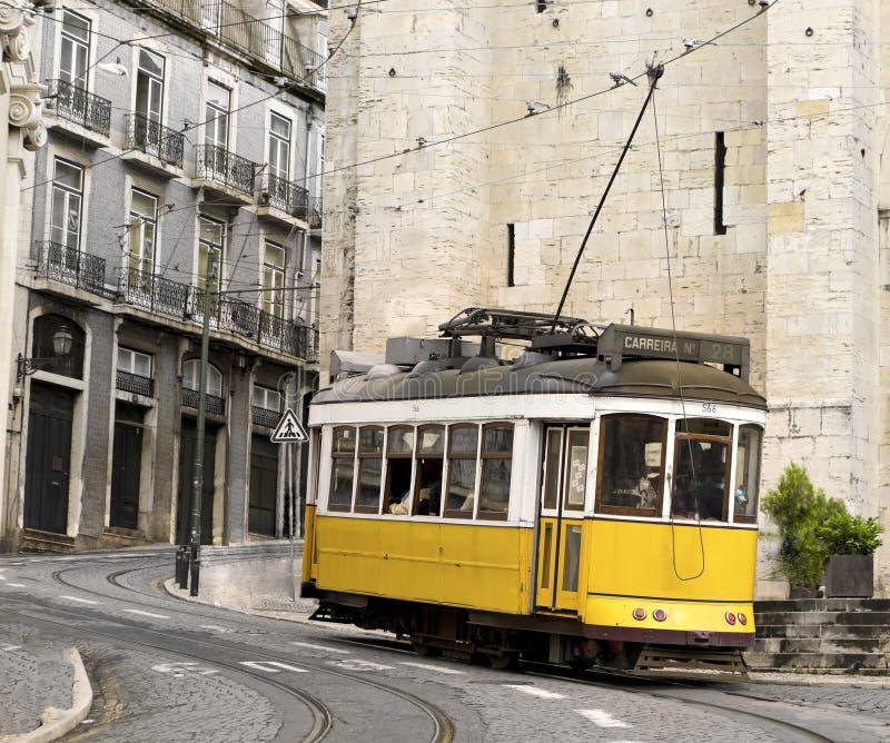 tramwajowy Lisbon klasyczny kolor żółty Portugal obrazy royalty free
