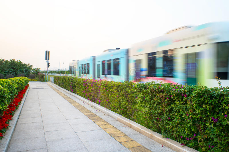 Tramway dans la station photos stock