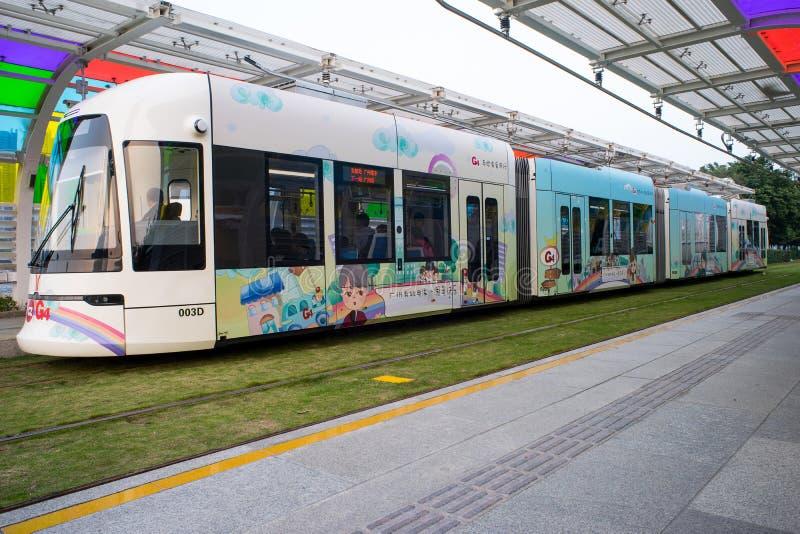 Tramway dans la station photographie stock libre de droits