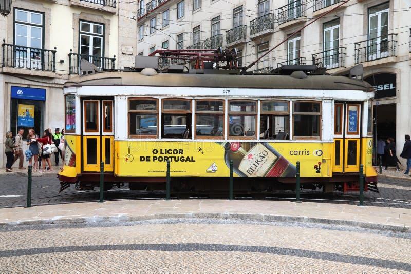 Tramway jaune de Lisbonne photos stock