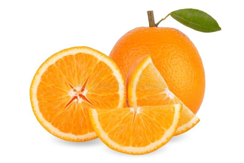 Tranche d'orange fraîche d'isolement sur le fond blanc image stock
