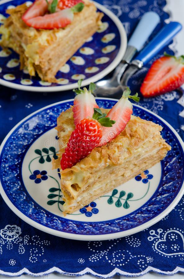 Tranche de napoléon de gâteau de couche images stock