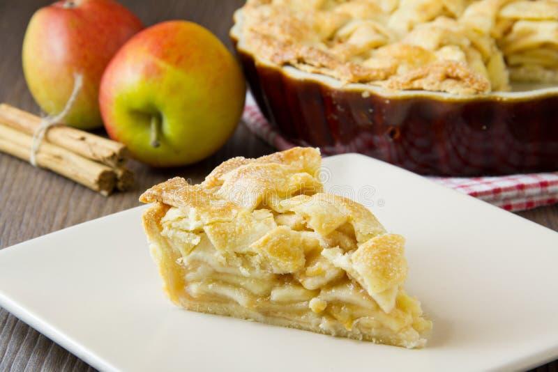 Tranche de tarte aux pommes photos stock