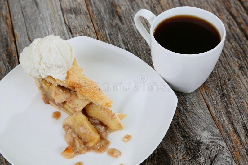Tranche de tarte aux pommes photo stock