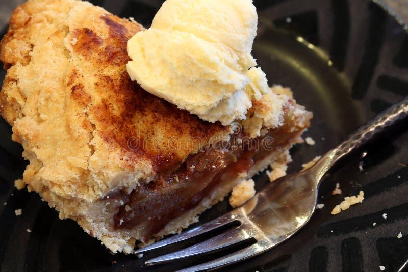 Tranche de tarte aux pommes photographie stock libre de droits