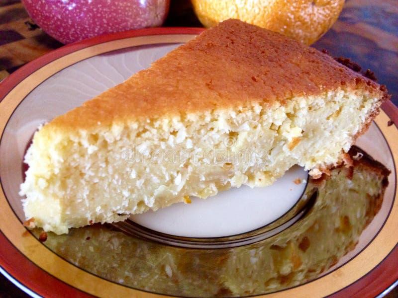 Tranche impossible démodée de tarte cuite au four par maison photos libres de droits