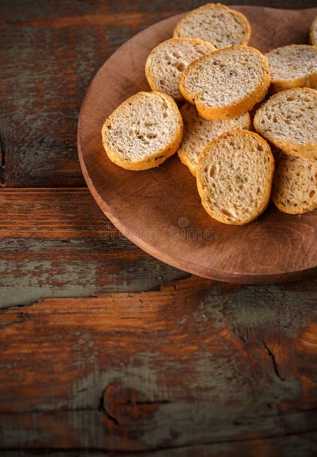 Tranches croustillantes de biscotte photo stock